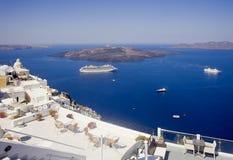 破火山口和Nea Kameni视图, Fira, Santorini 免版税库存图片