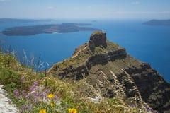 破火山口的圣托里尼视图 库存图片