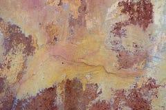 破裂和削皮油漆老墙壁背景 经典难看的东西 图库摄影