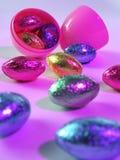 破裂的复活节彩蛋 免版税库存图片