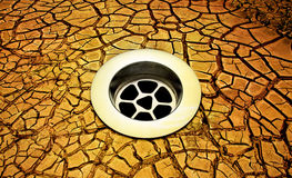 破裂的流失天旱地球 免版税库存照片