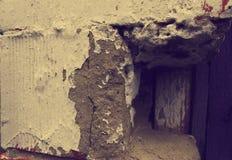 破裂的老墙壁片段 免版税库存图片