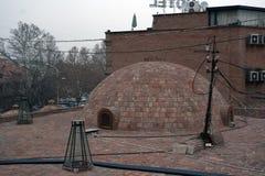 硫磺浴圆顶在老镇第比利斯,乔治亚 库存图片