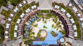 硬岩旅馆游泳池鸟瞰图  库存照片