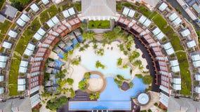 硬岩旅馆游泳池 免版税库存图片