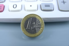 硬币欧元一 库存图片