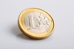 硬币欧元查出一 免版税库存图片