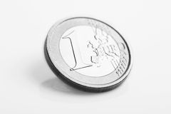 硬币欧元查出一 免版税库存照片