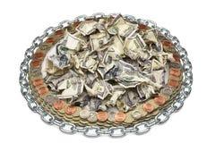硬币围拢的被弄皱的美元 免版税库存图片