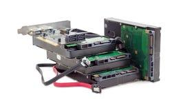 硬盘驱动器、磁盘控制器卡片和缆绳 免版税图库摄影