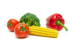 硬花甘蓝、玉米棒子、蕃茄和甜椒隔绝了o 图库摄影