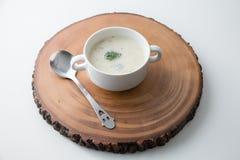 硬花甘蓝蘑菇汤奶油  库存图片