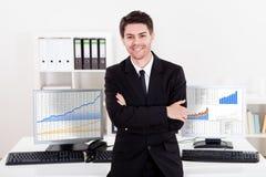 确信的微笑的股票经纪人 免版税库存照片