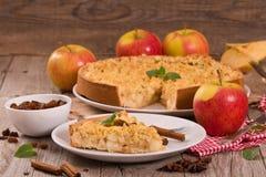 碎屑苹果蛋糕 库存图片