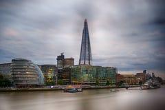 碎片伦敦地平线,香港大会堂,泰晤士河 免版税库存图片