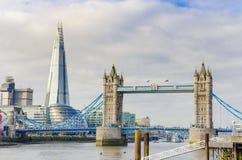 碎片和塔桥梁,伦敦 库存照片