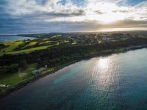 碎片海滩,墨尔本, Australi鸟瞰图在日落的 免版税库存图片