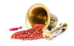 碎红辣椒和葡萄酒灰浆 免版税图库摄影