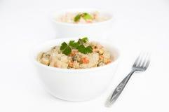 碗叉子土豆沙拉 免版税图库摄影