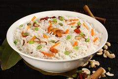 碗可口素食主义者炒饭用印度大米 免版税库存图片