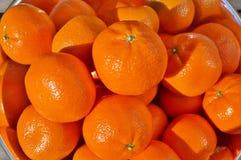 碗成熟橙色柑桔果子 免版税库存图片