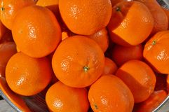 碗成熟橙色柑桔果子 图库摄影