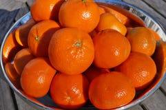 碗成熟橙色柑桔果子 免版税图库摄影