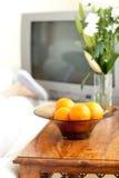 碗接近的桔子 库存照片