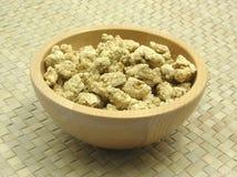碗木粒子的大豆 库存图片