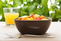 碗果子混合热带一的沙拉 库存照片