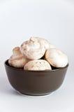 碗棕色蘑菇白色 库存照片