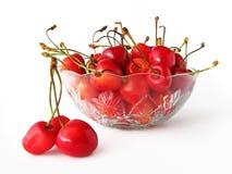 碗樱桃玻璃甜点 免版税库存图片