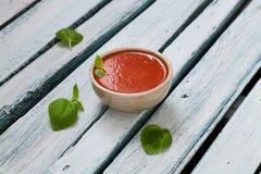 碗汤蕃茄蔬菜 图库摄影