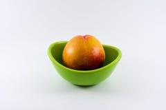 碗用桃子 库存图片