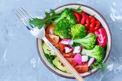碗用简单的菜沙拉 免版税库存照片
