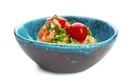 碗用鲜美虾和沙粒 免版税库存照片