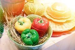 碗筷和圆白菜和甜椒 免版税库存图片