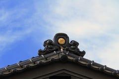 碗筷子文化查出在白色的日本katana 库存图片