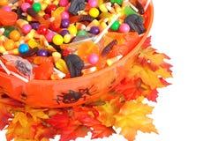 碗糖果万圣节顶视图 图库摄影