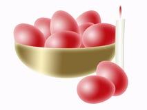 碗红色的复活节彩蛋 免版税图库摄影