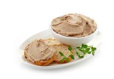 碗肝脏头脑和面包 库存图片