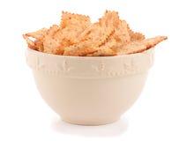 碗薄脆饼干健康蔬菜 免版税图库摄影