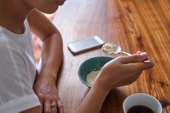 碗谷物咖啡杯 免版税库存照片