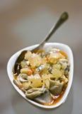 碗鲱鱼被腌制的卷 免版税图库摄影