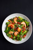 碗soba面条用牛肉和菜 亚洲食物 免版税图库摄影