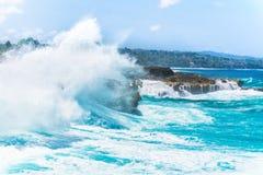 碰撞的波浪, Lembongan,印度尼西亚 库存图片