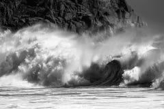 碰撞的波浪 库存图片