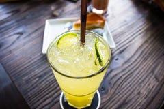 碳酸化合的柠檬水 免版税库存图片