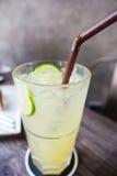 碳酸化合的柠檬水 免版税库存照片