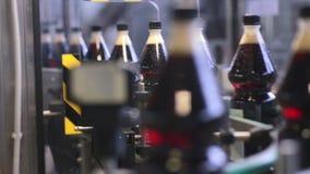 碳酸化合的流行音乐的生产的传动机nd苏打新饮料 影视素材